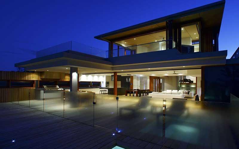 Building-a-house_